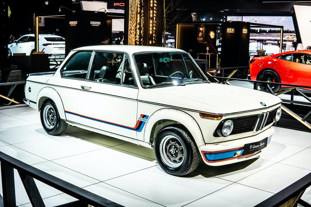 BMWの特徴とは。他車との違いや所有者の特徴まで解説 サムネイル画像`