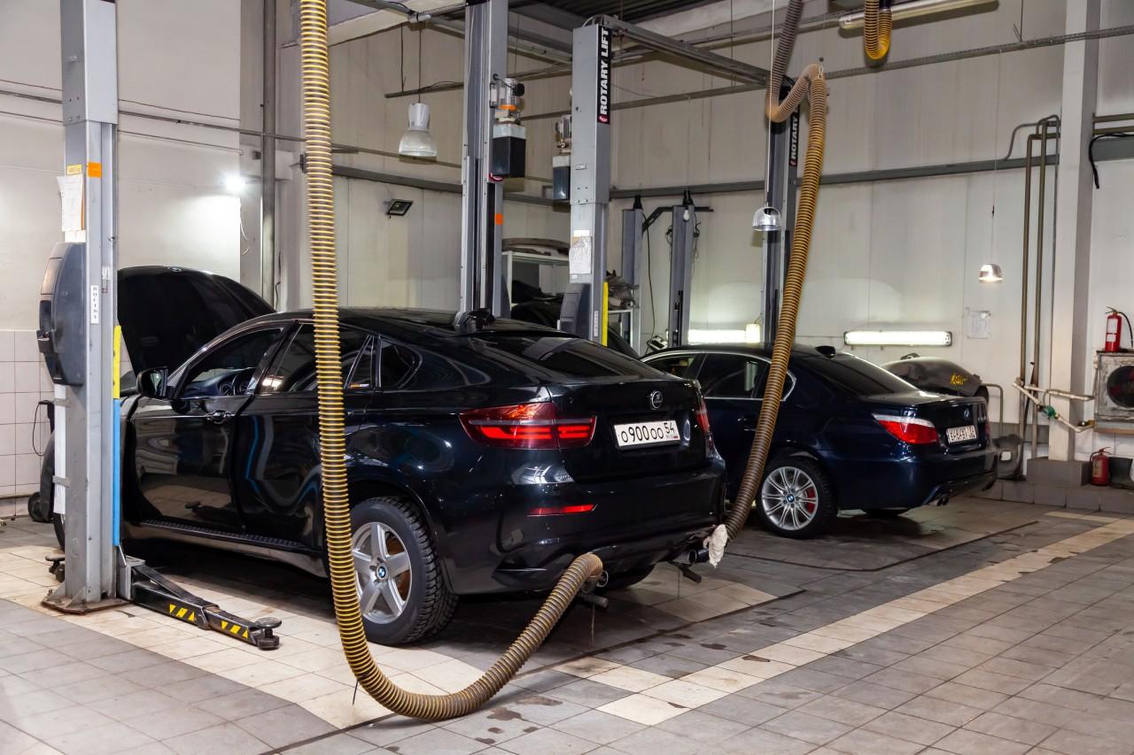 BMWの車検費用・相場の詳細とは?車検費用を抑える方法も解説 サムネイル画像`