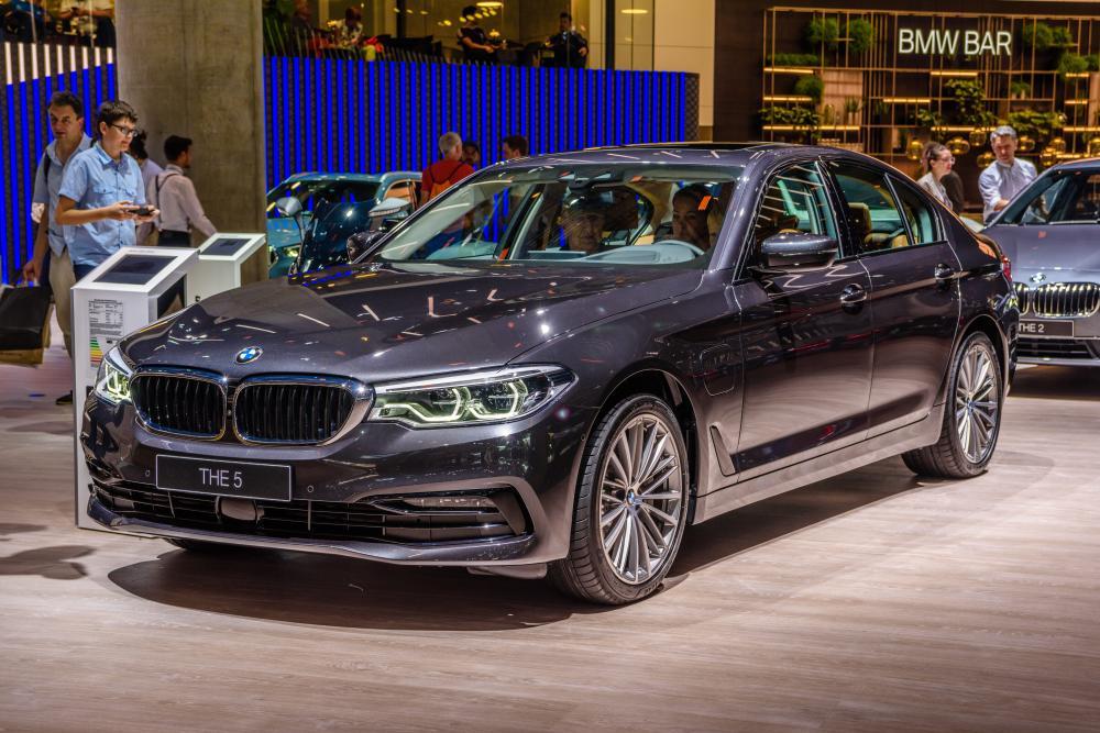 BMWを買うならどのシリーズか。グレードからエンジンの特徴まで解説 サムネイル画像`