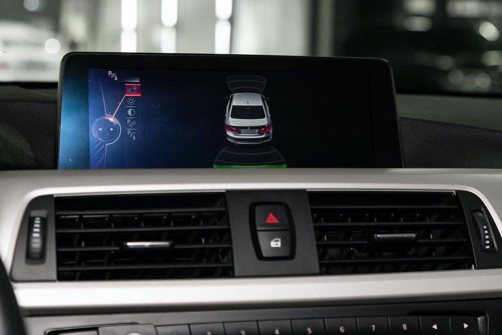 BMWの自動ブレーキ機能とは。性能・安全性と対象モデルも紹介 サムネイル画像`