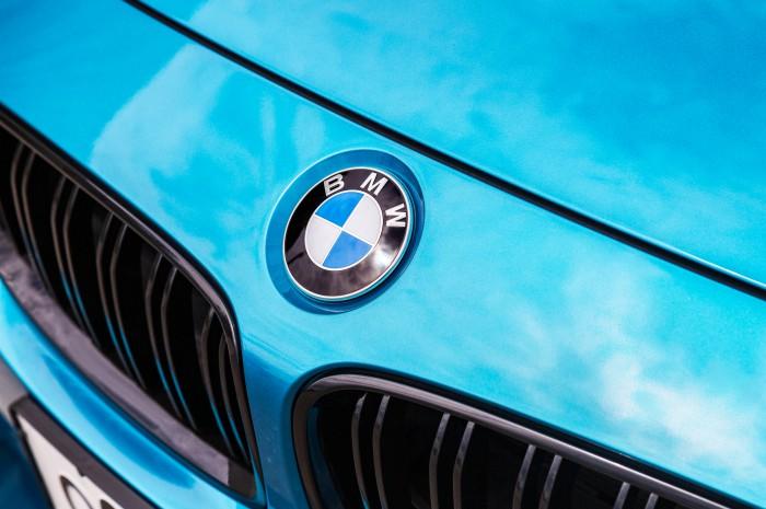 BMWってどうして人気があるの?どんなメーカーで名前の由来は? サムネイル画像`