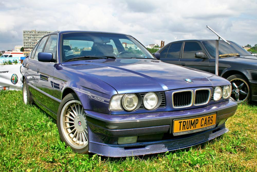 BMWのアルピナを委託販売するメリットとデメリットは?その他の売却方法も紹介 サムネイル画像`