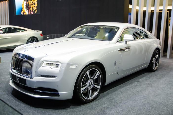 最高級なロールスロイスはどれ?最高額モデルや各車種の価格を紹介 サムネイル画像`
