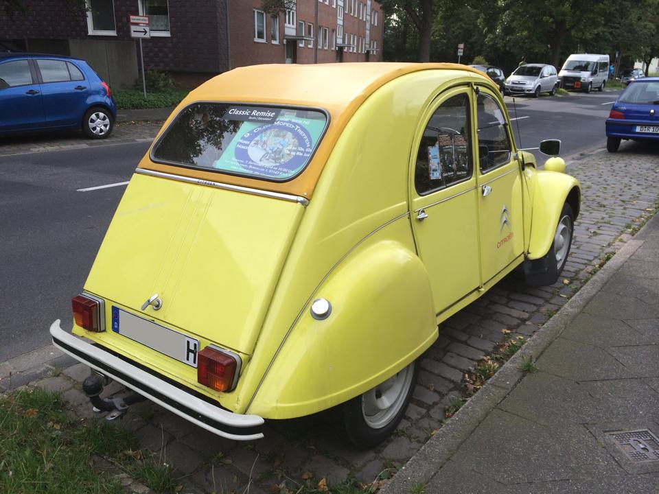 長年スタイルを変えずに歩んできた、フランスの名車「シトロエン2CV」