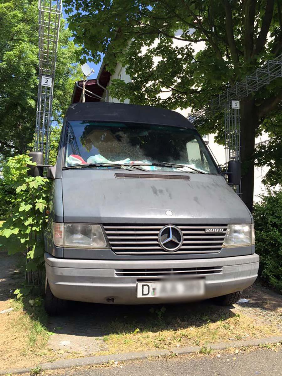 EU統合前のナンバー持つメルセデス・ベンツの商用車@ドイツ現地レポ