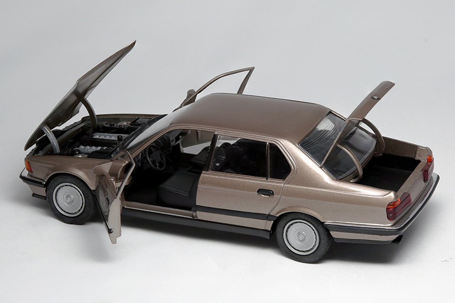 豊富なアクションにマイスター魂が宿る!懐かしのMade in Germanyミニカーはネオクラシックの宝庫だ!