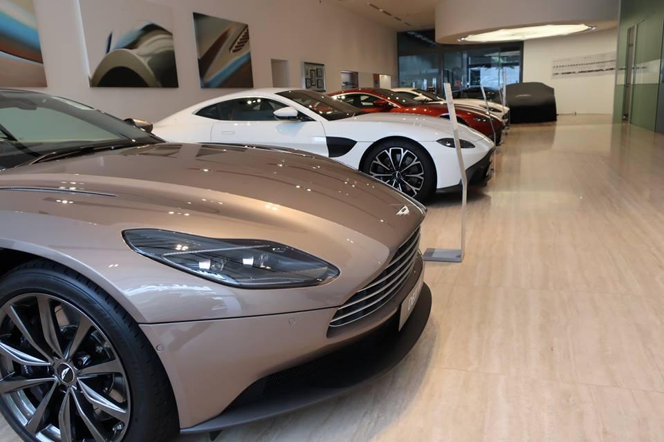 なぜスポーツカーは売れなくなり、スーパーカー市場は活気があるのか?