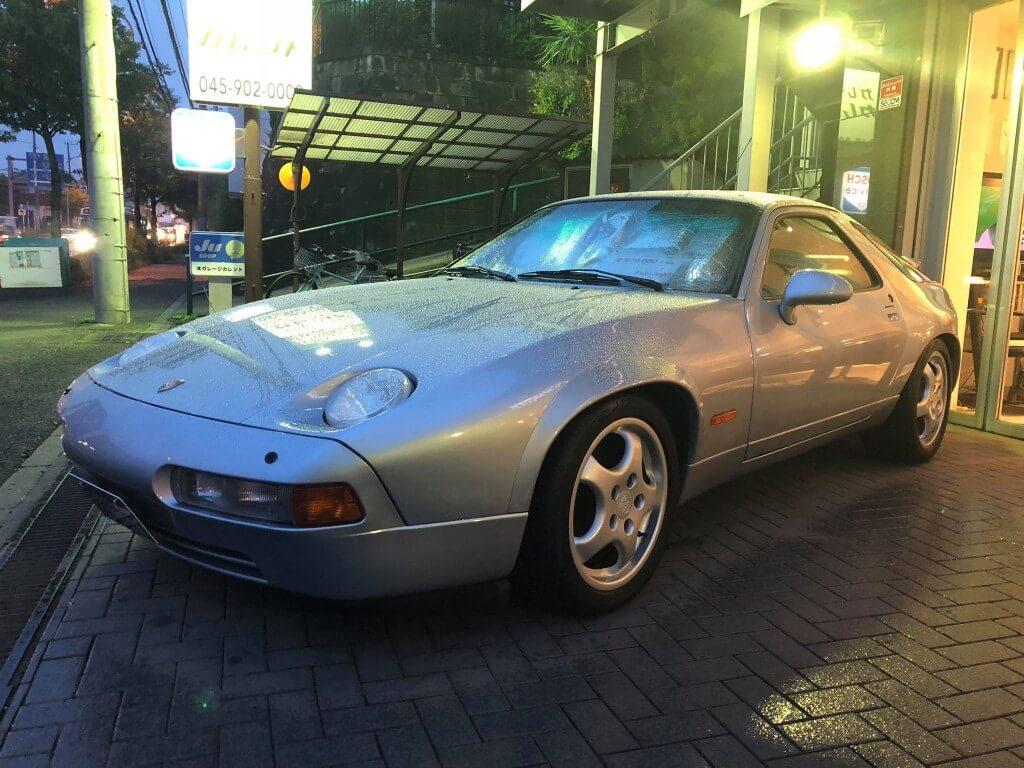 新世代ポルシェ 928の魅力。近未来フォルムに秘められた高性能とは サムネイル画像`
