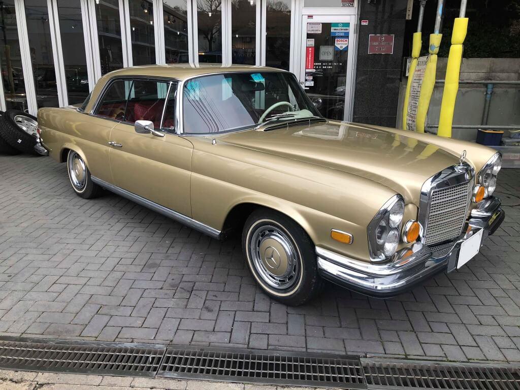 問答無用の存在感。高級車の中の高級車、メルセデス・ベンツ280SE 3.5クーペ サムネイル画像`